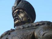 В Полтаве появился памятник Мазепе