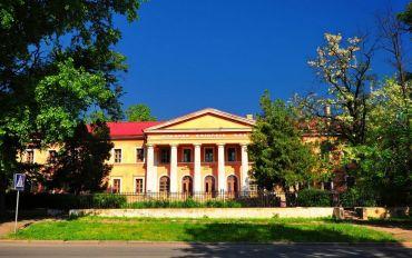 Бывший Дом офицеров флота в Николаеве