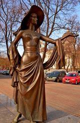 Пам'ятник Вірі Холодній, Одеса