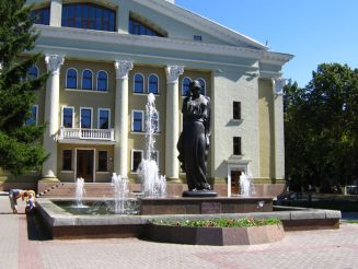 Памятник Марусе Чурай