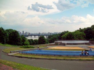 Співоче поле, Київ